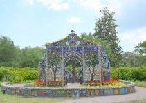 Amazing Garden Chapel Made From Bottles